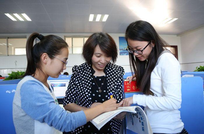 教育部印发新时代教师职业行为十项准则 进一步规范教师职业行为