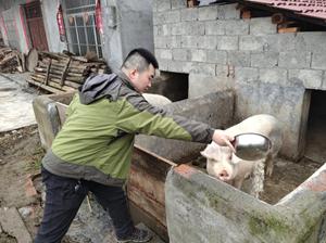 刘世杰:当好村民的贴心人