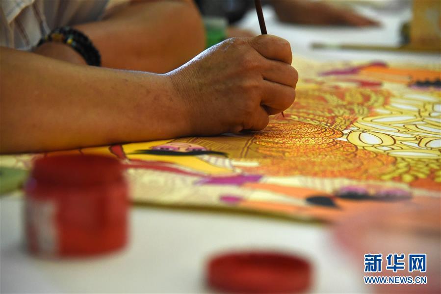 放下锄头拿画笔——山东青州农民画绘出美好新生活